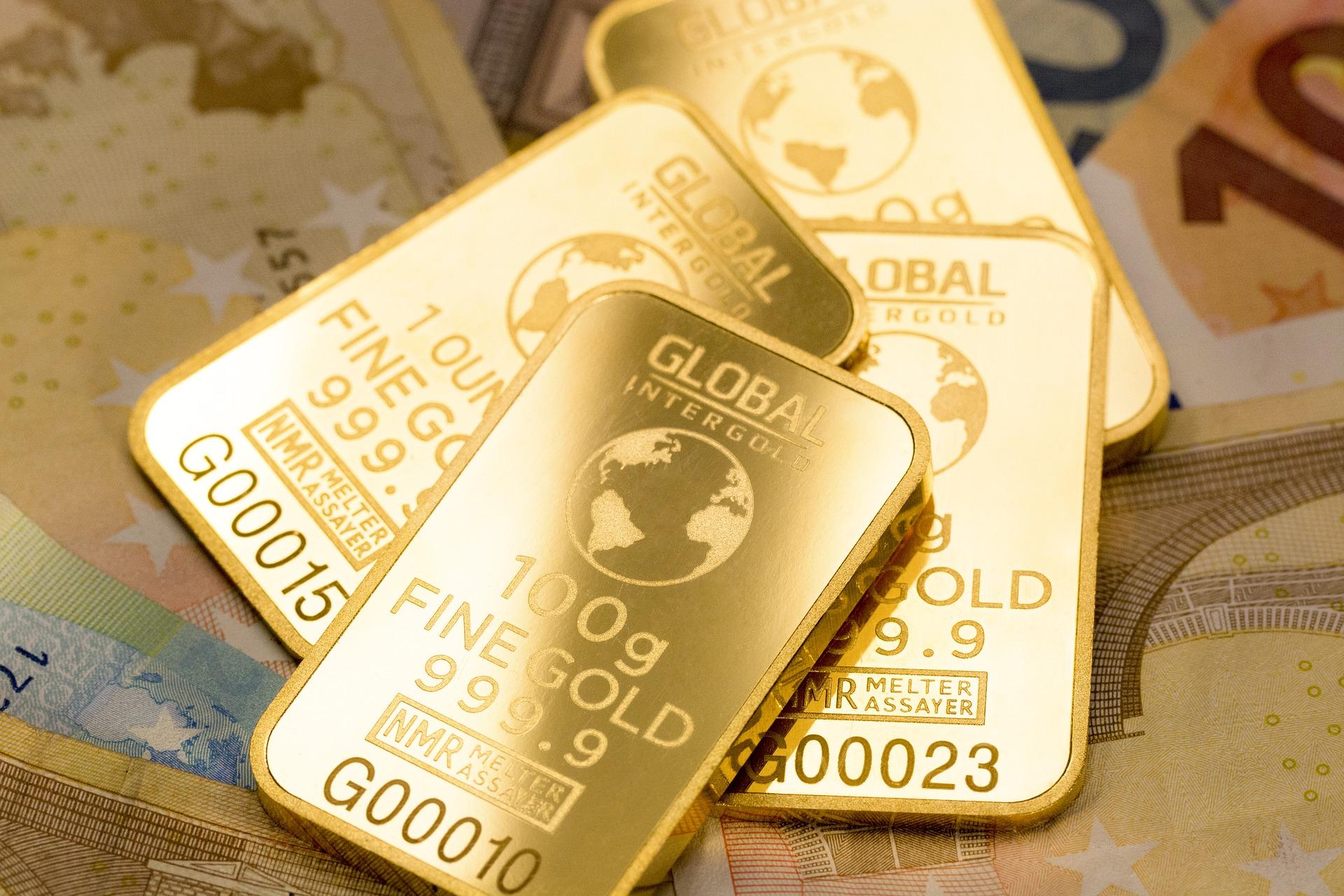 Většina zlatých slitků a mincí je vyprodána